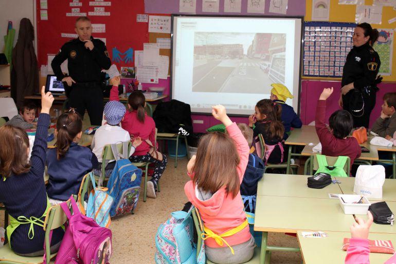 El Ayuntamiento conciencia a los más pequeños sobre educación vial