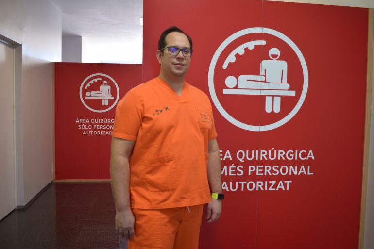 Doctor José Francisco Lizón, responsable de la Unidad de Raquis del Servicio de COT.