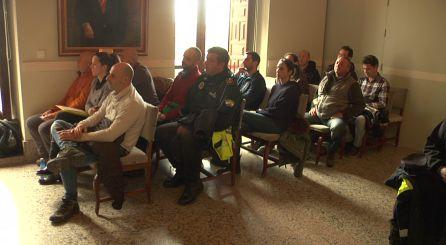 Policia, Guardia Civil, Protección Civil, Bomberos y tecnicos municpales asisten a la reunión de coordinación