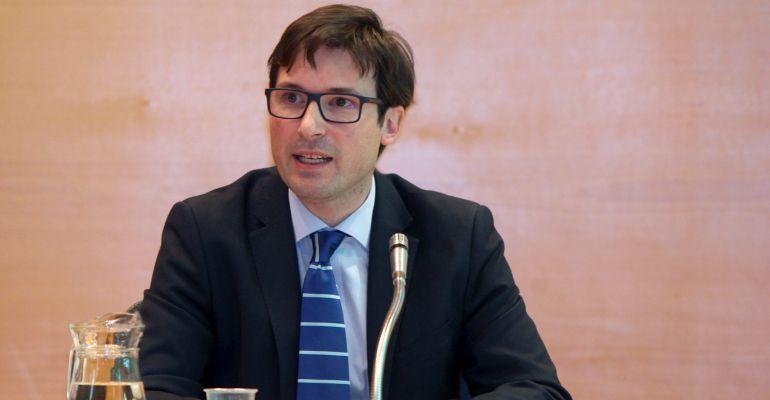 Agustín Martín, concejal de Economía y Hacienda en el pleno extraordinario de presupuestos en Alcobendas