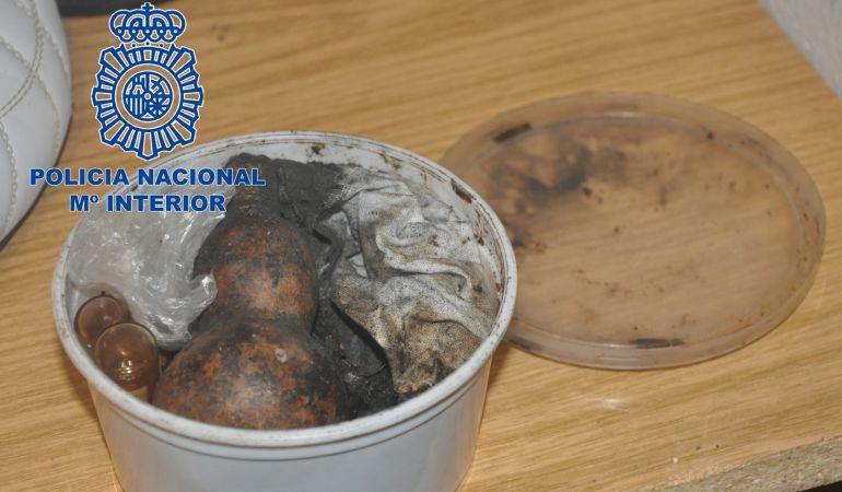 Los agentes han encontrado objetos de vudú en el piso de Fuenlabrada