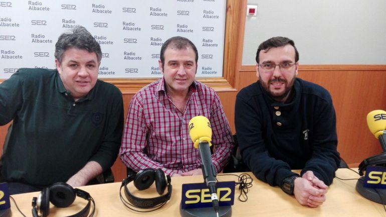 Tres oficios unidos por la radio