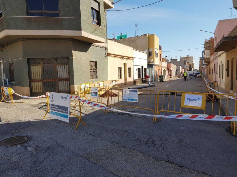El Ayuntamiento de Betxí y FACSA renuevan un tramo de la red de suministro de agua