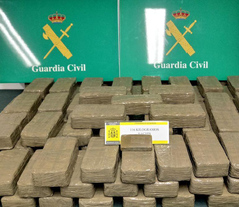 Tráfico hachís: La Guardia Civil incauta 116 kilos de hachís en la A-1