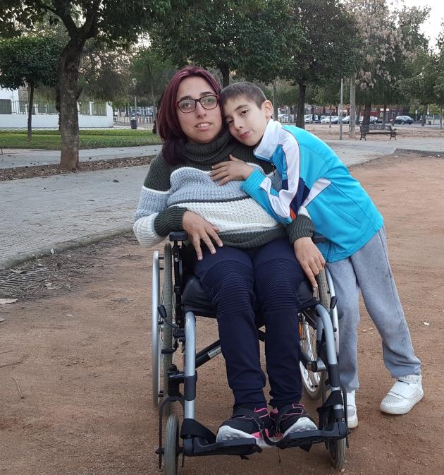 Eva Gilarte, con su hijo de 9 años.