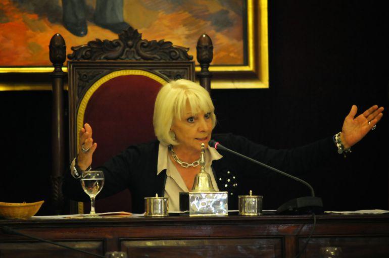 La exalcaldesa de Cádiz Teófila Martínez reafirmó el compromiso de supresión del peaje de la AP-4 en 2019.
