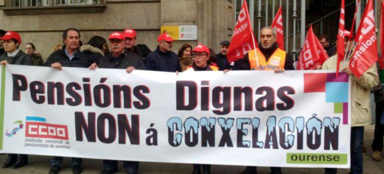 Manifestación de Comisiones Obreras ante el INSS