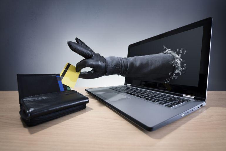 La Policía da pautas para evitar los fraudes en las compras online