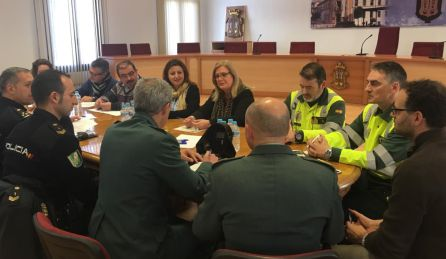 Todos los cuerpos de seguridad presentes en la reunión de coordinacion de Peal de Becerro