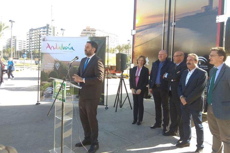 La imagen de Almería irá a Europa en camión.