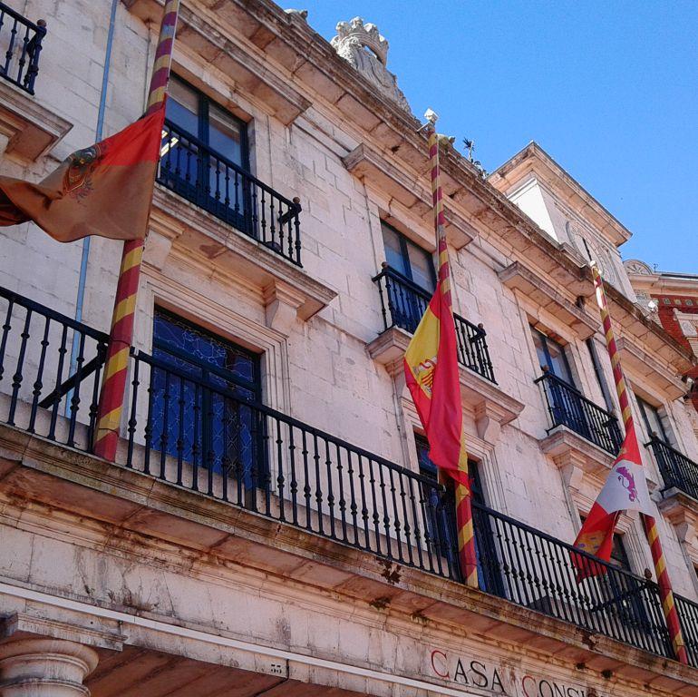 Política municipal: Denuncian 'un halo de corrupción' en los contratos del Ayuntamiento de Burgos
