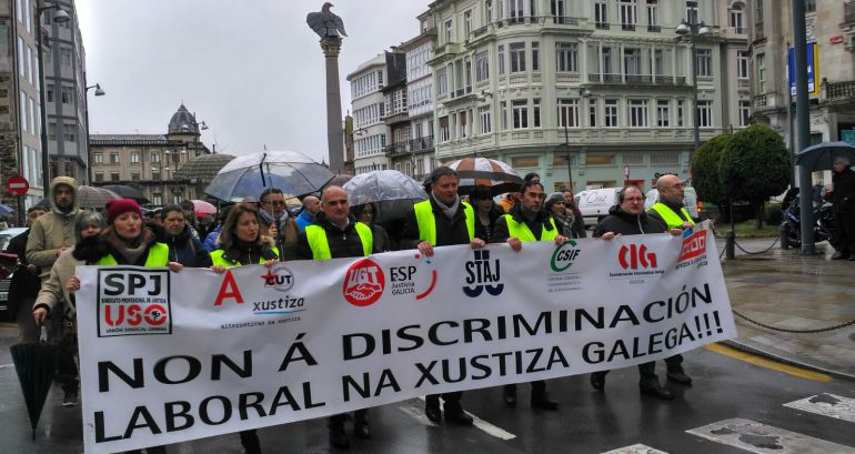 Los funcionarios de la justicia en huelga se han manifestado este jueves en Lugo
