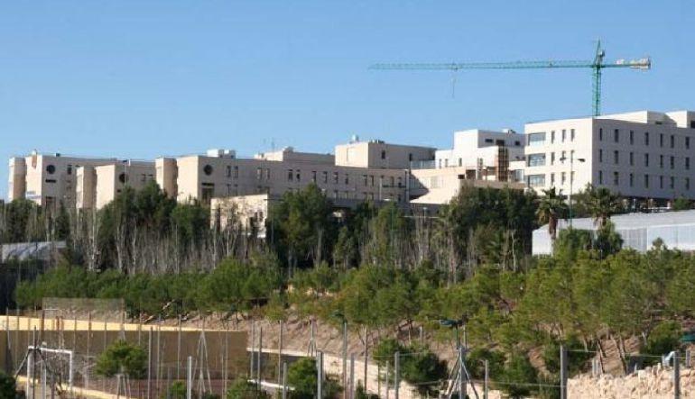"""La precariedad laboral provoca la """"huida"""" del personal médico el Hospital Rafael Méndez, según los sindicatos"""