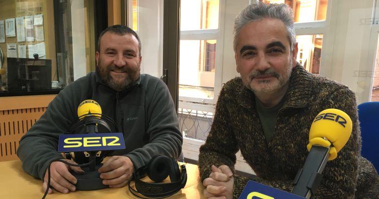 Juan Álvarez y Jorge Gómez en los estudios de Radio Murcia para participar en el programa Hoy por hoy.