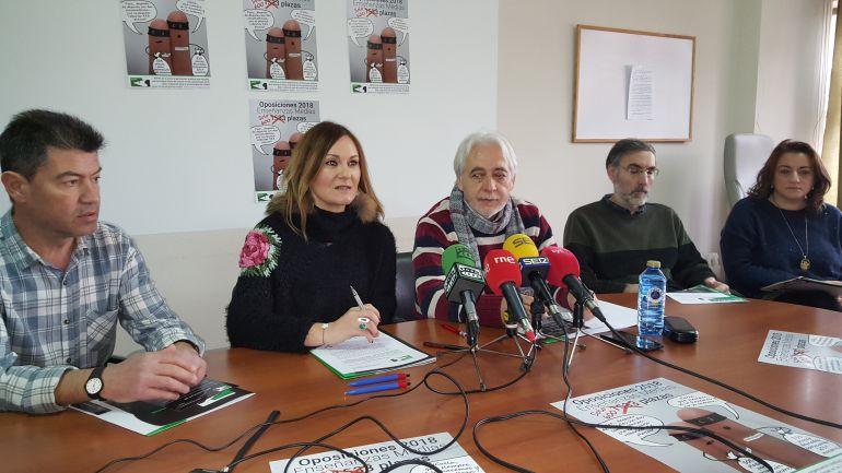 Representantes de ASPES denuncian la situación del profesorado de Enseñanzas Medias