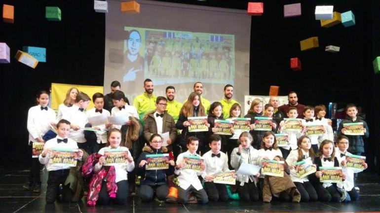 Jugadores del Jaén Paraíso Interior FS visitan a los alumnos de la SAFA