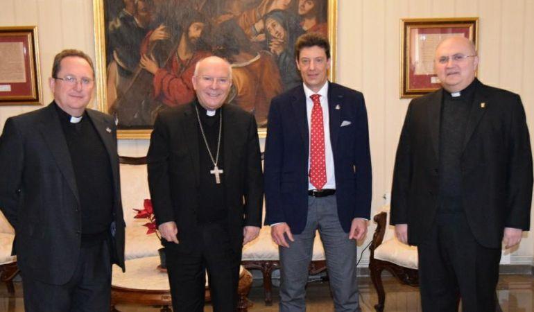 El Obispo de Jaén entrega el nombramiento como presidente de la Matriz a Manuel Ángel Vázquez