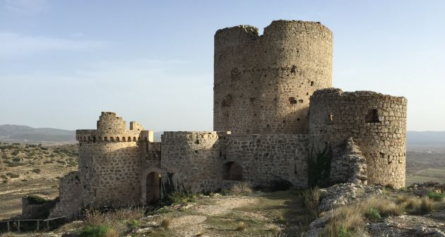 Estado actual del castillo de Moya, villa que daba título al Marquesadoy actualmente despoblada.