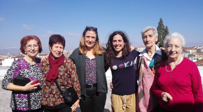 Flora, Rosa, Maite, Irati, Inés y Angelines han visitado los estudios de Ser Vitoria