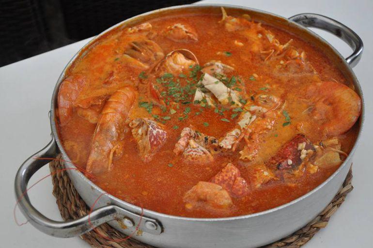 Un arroz caldoso con bogavante del restaurante Porto de Rinlo