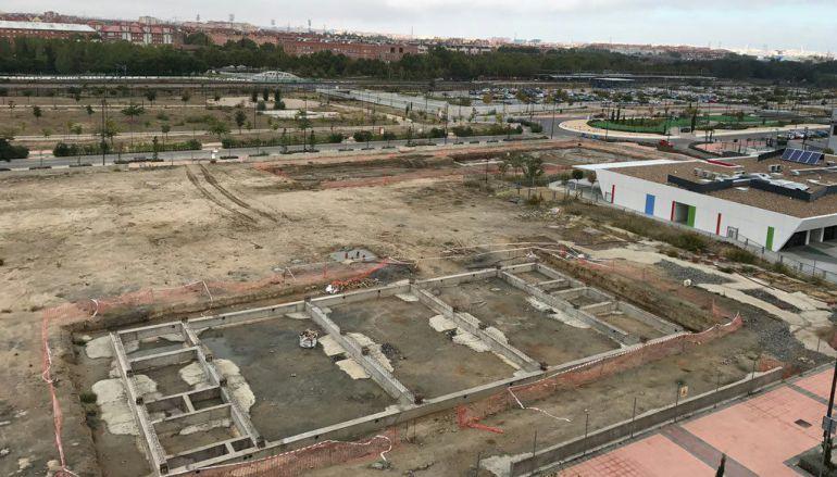 Imagen aérea de las obras inacabadas en el colegio