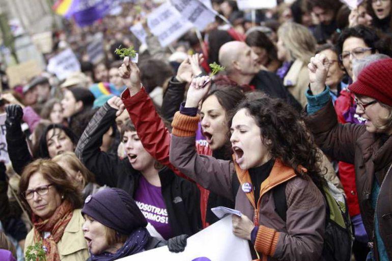 Las responsables han pedido que si los hombres acuden a las movilizaciones de la tarde, no estén en primera fila y no den órdenes a las mujeres.