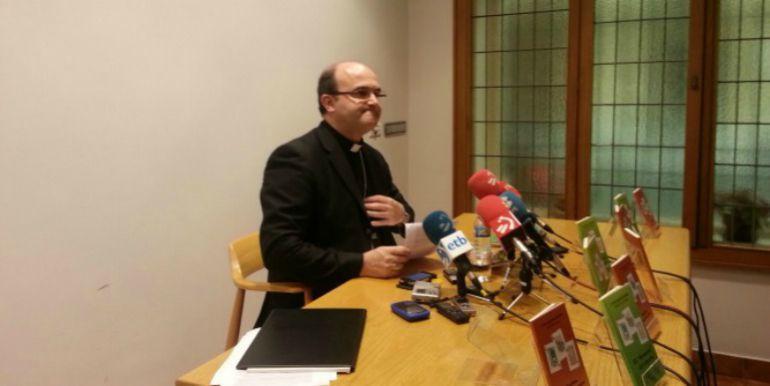 El obispo de San Sebastián culpa al demonio de que las feministas hayan asumido la ideología de género