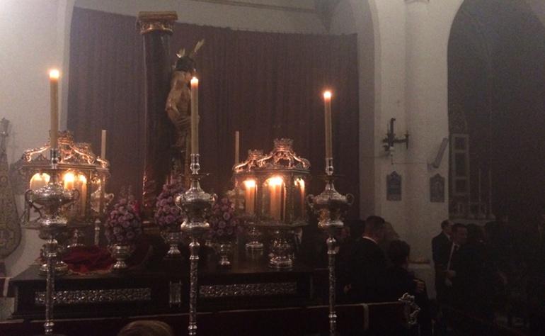 Parihuela del Cristo del Perdón en el interior de la iglesia de San Miguel bajo