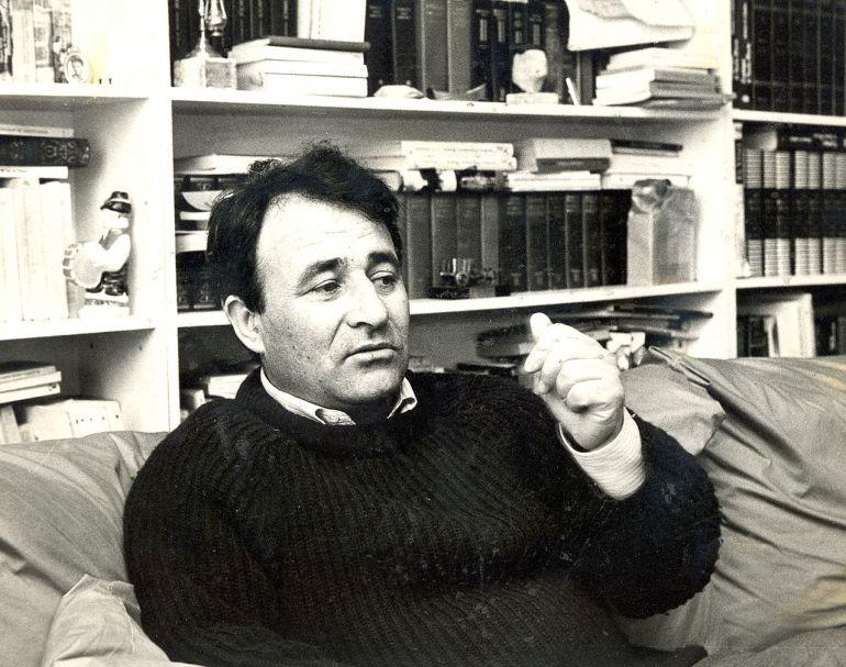 La Diputación concederá, a título póstumo, la Medalla de Oro de la provincia al escritor Carlos Casares en un acto que tendrá lugar el próximo viernes, día 9 de marzo