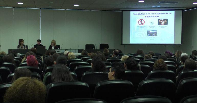 Estudio sobre mujeres que ejercen la prostitución en Elche