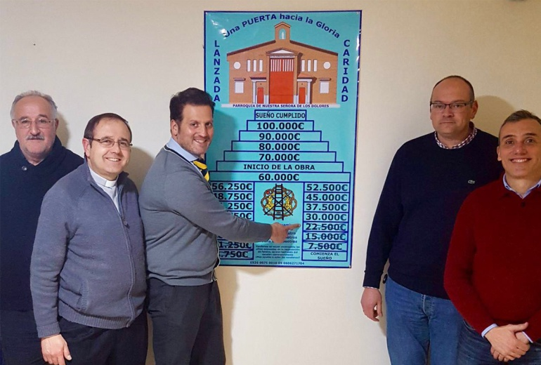 """Miembros de la comisión """"Una puerta hacia la gloria"""", encargados de la dirección del proyecto de la construcción de la puerta de salida de La Lanzada"""