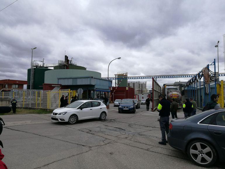 120 trabajadores fueron desalojados de la fábrica por precaución