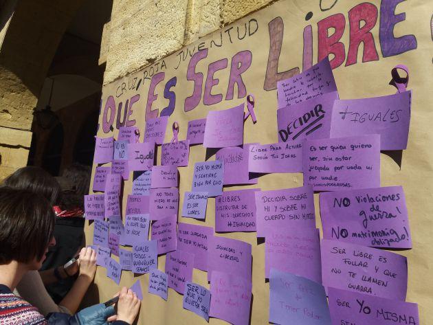 HUELGA 8M: La movilización feminista desborda las previsiones de asistencia en Oviedo