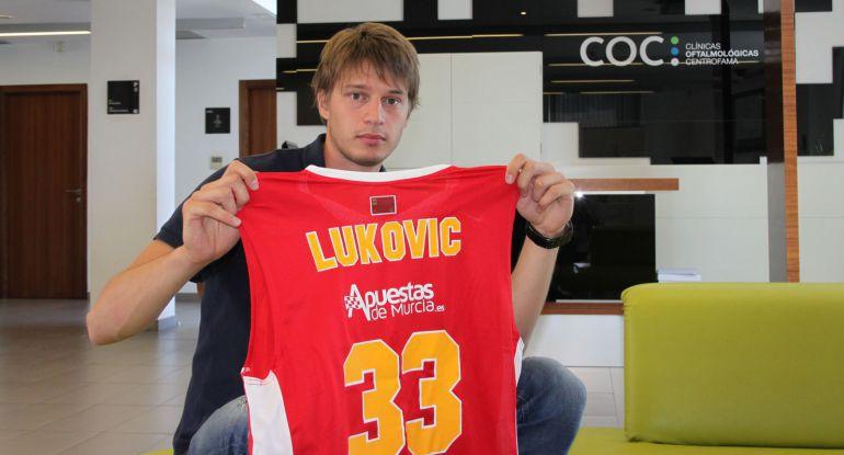 Lukovic y el UCAM rescinden contrato