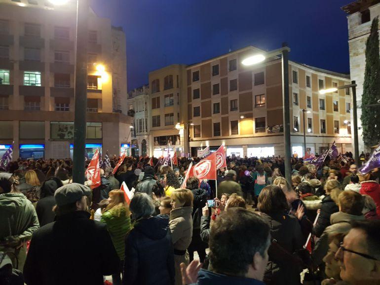 Final de la manifestación en la Plaza de la Constitución