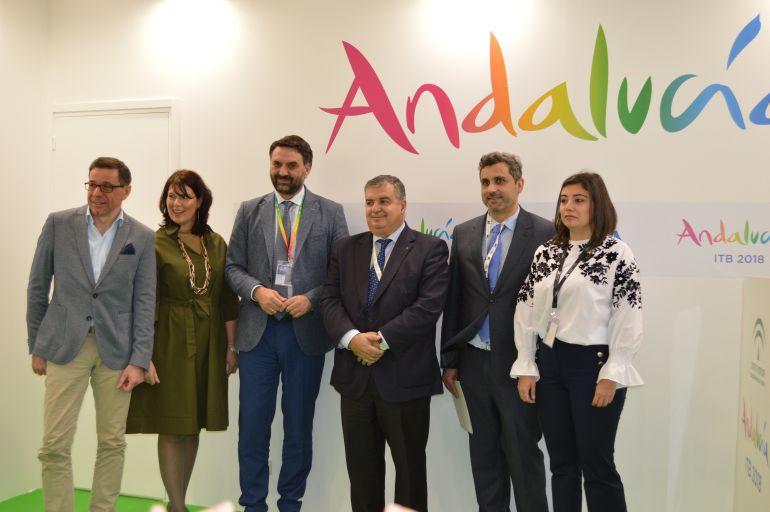 """La Junta apuesta por """"una gran alianza de todos"""" para reforzar Andalucía como destino """"todo el año"""""""
