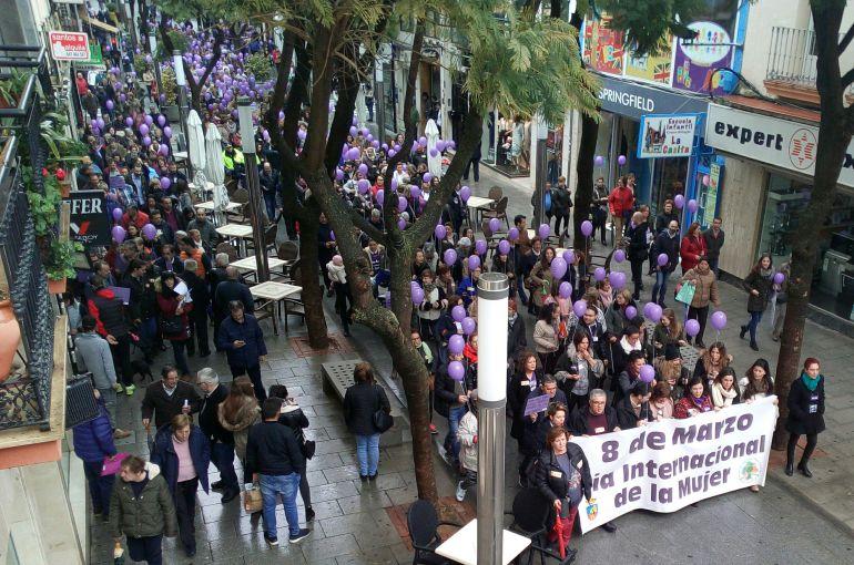 Momento de la manifestación por las calles de Don Benito