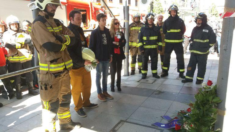 Imagen de uno de los homenajes tributados en memoria del bombero Eloy Palacio