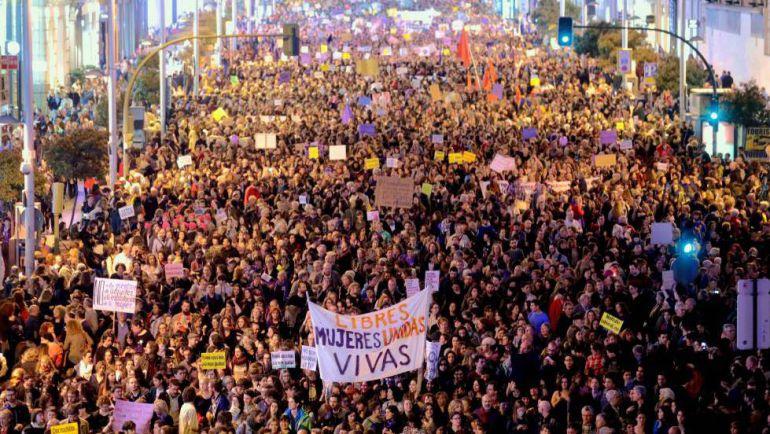 La manifestación de las mujeres pidiendo igualdad de oportunidades no ha dejado a nadie indiferente