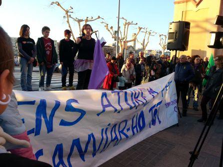 Un moment dels parlaments de la concentració de la tarda a Tortosa.