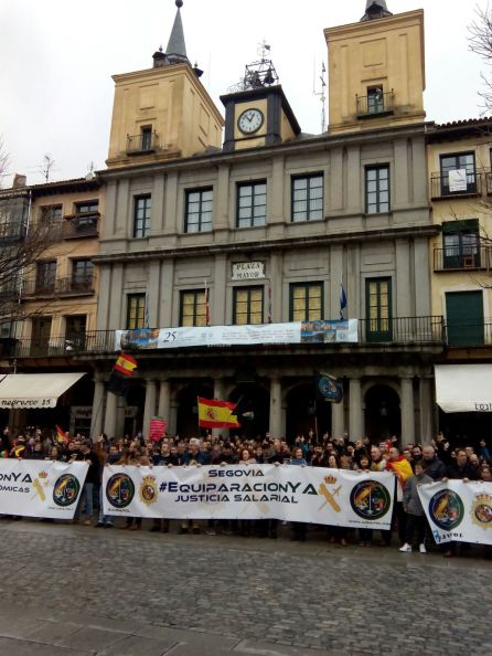 Manifestantes en la Plaza Mayor