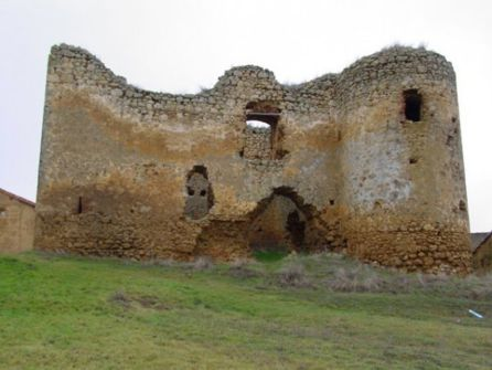 Imagen del castillo de Alcuetas antes del derrumbe