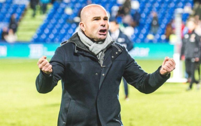 Paco López celebra la victoria en Getafe