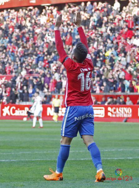 Jony celebra el primer gol rojiblanco.