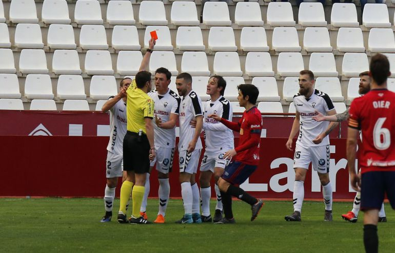 El Albacete presentará recurso por la expulsión de Saveljich