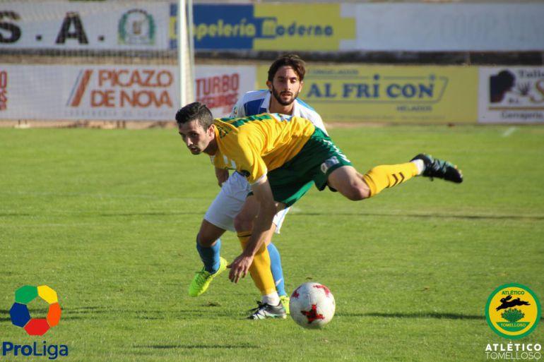 El Atlético Tomelloso suma un valioso punto en Almansa