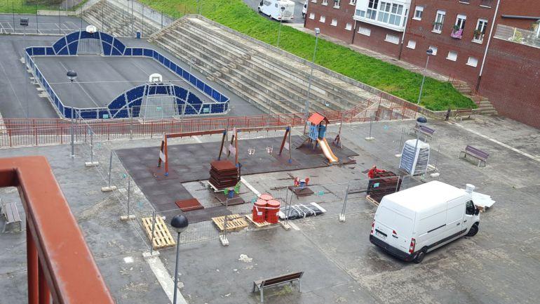 Los operarios han comenzado las labores de retirada de la instalación actual