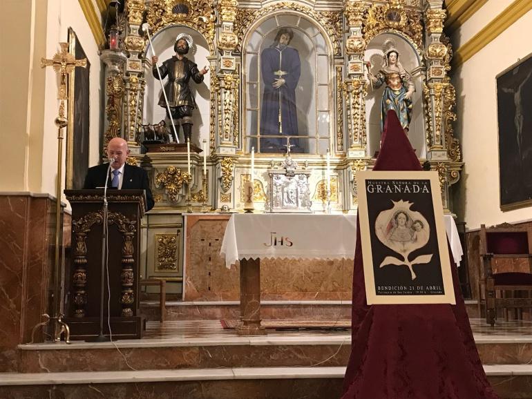 El cofrade Pepe Ubago durante la presentación del cartel de bendición de la Virgen de la Granada