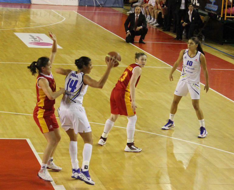 Imagen de un choque anterior entre Perfumerías Avenida y Galatasaray. Foto del club.