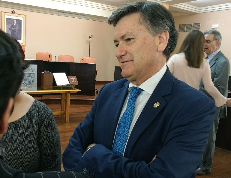 Francisco Vázquez en el salón de plenos de la entidad provincial